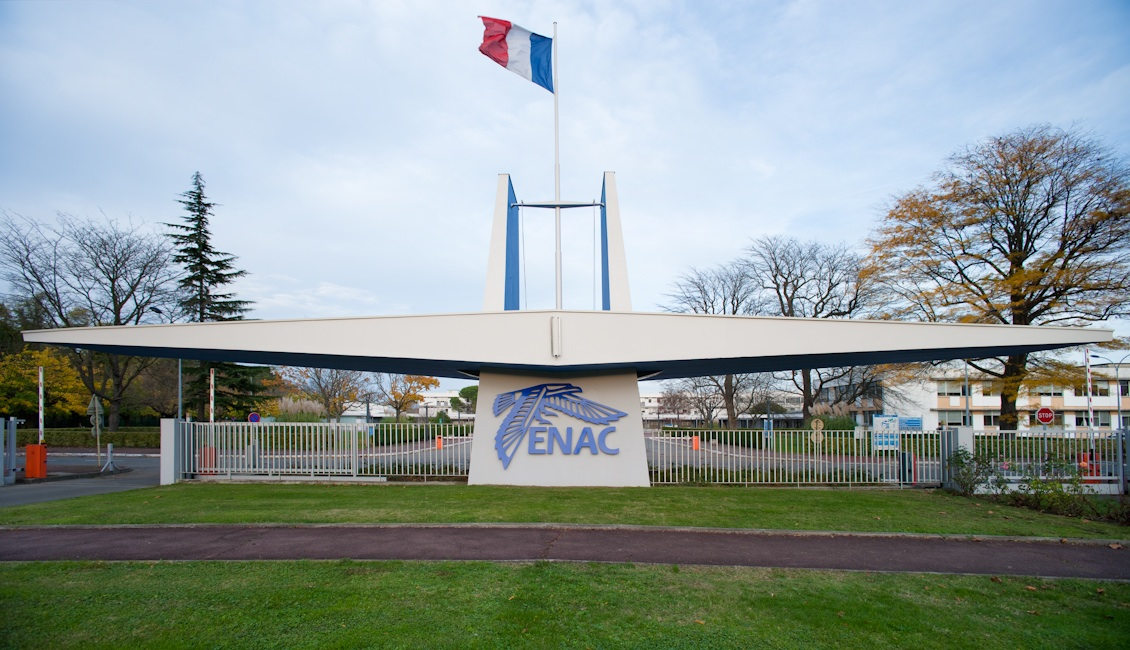 Les cadets Air France passent les tests psy1 à l'ENAC
